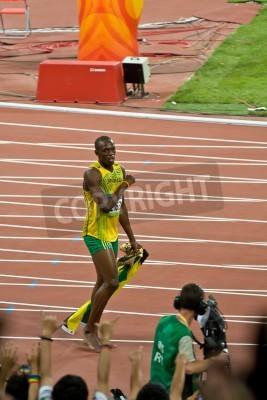 Posters Pékin, Chine - le 16 Août 2008: le champion olympique Usain Bolt Sprinter après course olympique victoire en 100 mètres