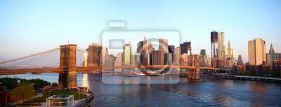 Pont de Brooklyn et Manhattan à New York au lever du soleil