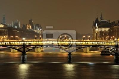Pont des Arts à Paris de nuit