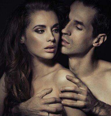 Posters Portrait d'un jeune couple sensuel