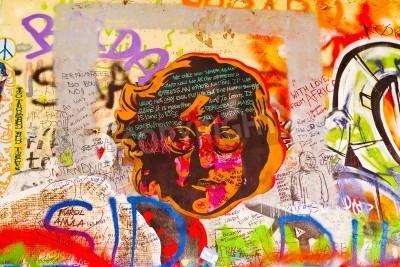 Posters Prague, République tchèque - 11 sur Septembre 2014: Célèbre John Lennon Wall Kampa à Prague sur l'Islande est rempli de Beatles inspiré de graffitis et des morceaux de paroles depuis les années 1980.