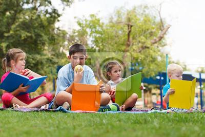Preschoollers extérieur
