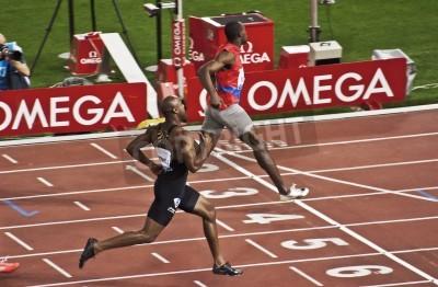 Posters ROME. 31 mai: Usain Bolt court et gagne 100 m course de vitesse au Golden Gala dans le stade olympique, le 31 mai 2012 à Rome