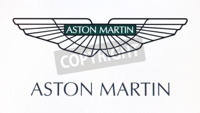 Posters Saint-Pétersbourg, Russie-Février 10, 2015: Aston Martin logo sur l'écran. Est une célèbre marque de monde.