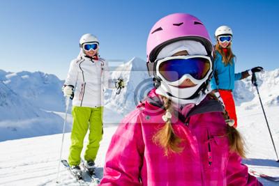 Ski, sports d'hiver - skieurs sur la montagne