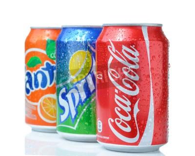 Posters Sofia, Bulgarie - 27 avril 2013: Coca-Cola, Fanta et Sprite Cans isolé sur blanc. Les trois boissons produites par Coca-Cola Company