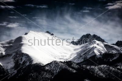 Posters Sommets enneigés des Tatras. Style filtré.