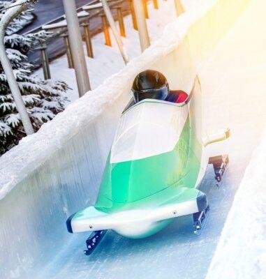 Posters Sports d'hiver - Bobschlitten in der Eisbahn