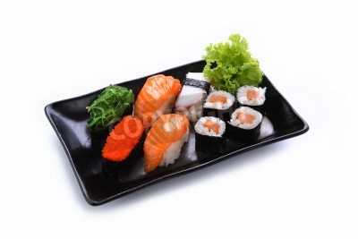 Posters Sushi isolé sur un fond blanc