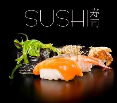 Posters Sushi set sur fond noir