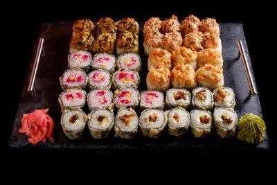 Posters Sushi sur un fond noir