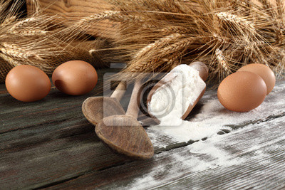 table en bois et la farine