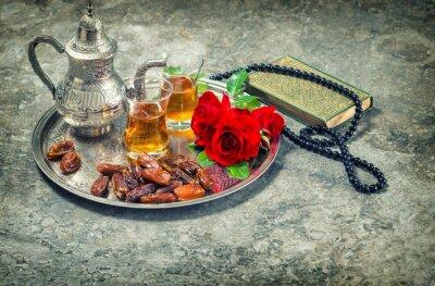 Posters Thé et rose rouge fleur, livre saint coran et le chapelet. Ramadan kar