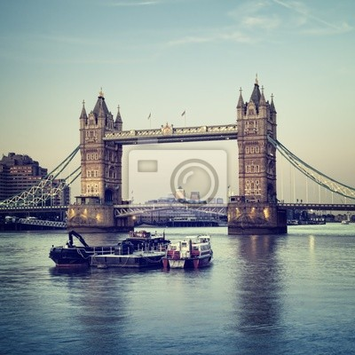 Tower Bridge au crépuscule, Londres