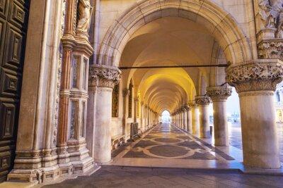 Posters Venezia, colonnato di piazza San Marco.