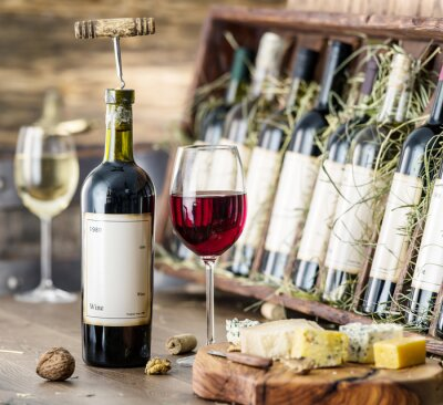 Posters Verres de vin et plaque de fromage.