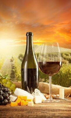 Posters Vin rouge toujours la vie avec la vigne sur backgorund