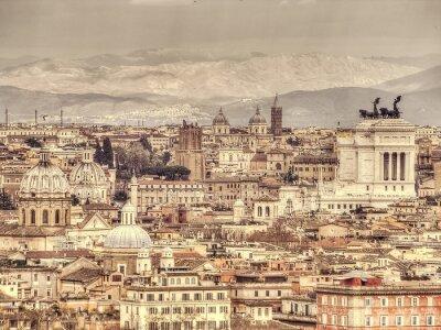 Posters Vue panoramique de Rome sur l'arrière-plan des montagnes. Rétro photo tonique
