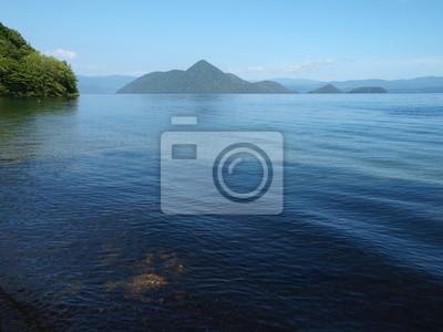 洞 爺 湖 月 浦 か ら の 中 島
