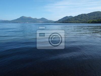 洞 爺 湖 と 有 珠 山