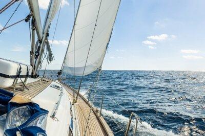 Posters Yacht voile dans l'océan Atlantique à la croisière journée ensoleillée
