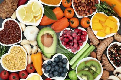 Sticker Aliments de santé pour concept de remise en forme avec des fruits, légumes, légumineuses, herbes, épices, noix, céréales et légumes secs. Riche en anthocyanes, antioxydants, glucides intelligents, omé