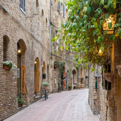 Sticker Alley dans la vieille ville Toscane Italie