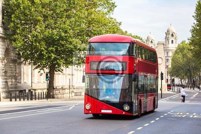 Autobus moderne à deux étages à Londres