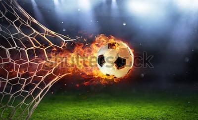 Sticker Ballon de football enflammé dans le but avec le filet dans les flammes