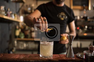 Sticker barman et détails
