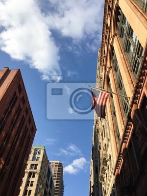 Bâtiments à Manhattan et drapeau américain