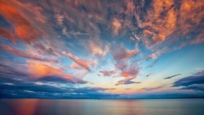 Sticker Beau coucher de soleil au lac Supérieur avec bateau