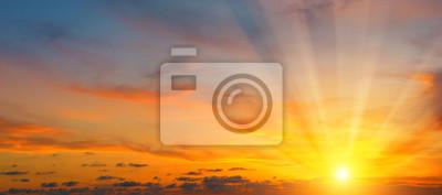 Sticker beau lever de soleil et ciel nuageux