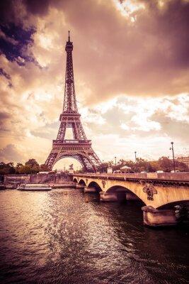 Sticker Belle Tour Eiffel à Paris, France sous la lumière dorée