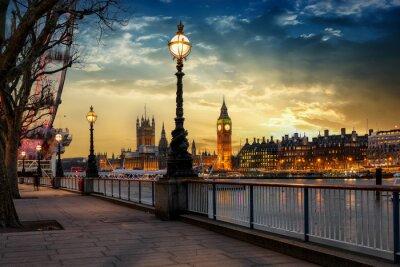Sticker Blick über die Themse auf den Big Ben Turm et le palais de Westminster à Londres, près de Sonnenuntergang. Großbritannien
