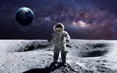 Sticker Brave astronaute à la promenade spatiale sur la lune. Cette image des éléments fournis par la NASA.