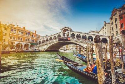 Sticker Canal Grande avec le pont de Rialto au coucher du soleil, Venise, Italie