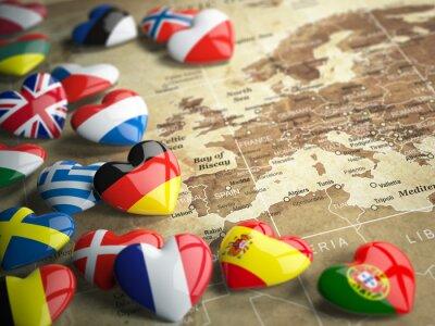 Sticker Carte de l'Europe et des cœurs avec des drapeaux des pays européens. Trave