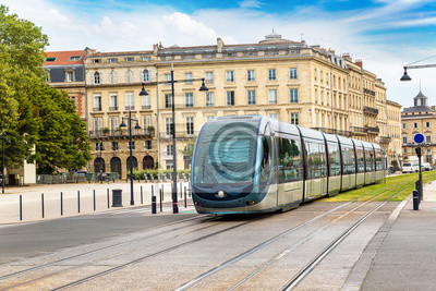 Chemin de fer moderne à Bordeaux