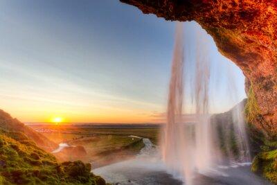 Sticker Chutes de Seljalandsfoss au coucher du soleil, l'Islande