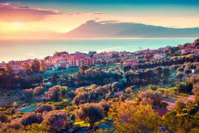 Sticker Colorful coucher de soleil de printemps dans le village Solanto