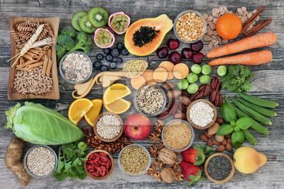 Sticker Concept d'aliments diététiques riches en fibres alimentaires avec fruits, légumes, pâtes de blé entier, légumineuses, céréales, noix et graines avec des aliments riches en oméga 3, antioxydants, antho