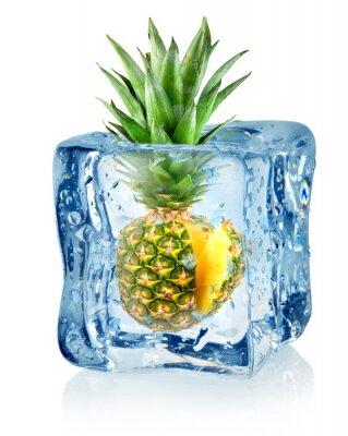 cube de glace et d'ananas
