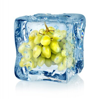 cube de glace et raisins verts