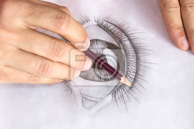 Sticker Dessin oeil avec un crayon. Gros plan des mains avec un crayon dessin oeil humain