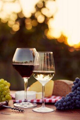 Sticker Deux verres de vin blanc et rouge