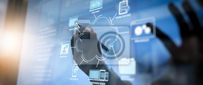 Sticker Développement de technologies de programmation et de codage avec la conception de sites Web dans le concept de réunion d'équipe de travail virtuelle diagram.co, homme d'affaires travaillant avec une i
