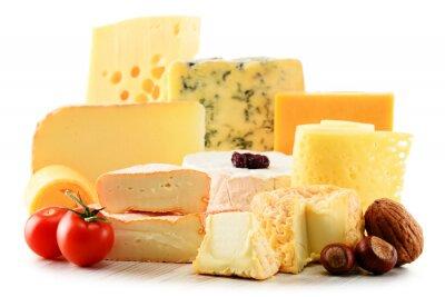 Sticker Différentes sortes de fromage isolé sur fond blanc