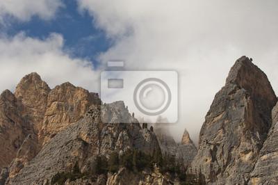 Dolomites italiennes considèrent en hiver