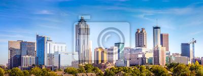Sticker Downtown Atlanta Skyline montrant plusieurs bâtiments et hôtels de premier plan sous un ciel bleu.
